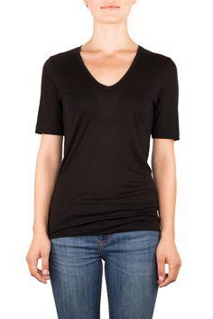 SHINE |LYOCELL T-SHIRT | Funktion Schnitt #lyocell #tshirt #shirt #womensstyle #womenswear #fashion #womensfshion #look #funktionschnitt #casual #basic #vneck #black