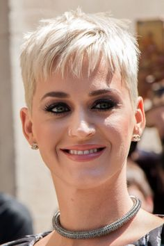 Katy Perry Straight Platinum Blonde Pixie Cut Hairstyle | Steal Her Style