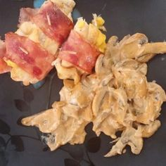 Pechugas Rellenas en Salsa Chipotle