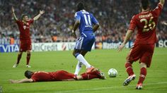 Drogba brings down Ribery in the box and the Portuguese referee points to the spot. Penalty!