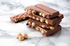 Eşsiz lezzeti ile bol fındıklı Melodi Beyoğlu çikolata 🍫😋#melodi #çikolata #fındıklıçikolata #chocolate #chocolat #beyoğlu