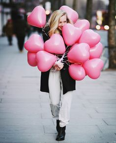 Pink Heart Balloons for V-Day Decoration. Just Girly Things, My Funny Valentine, Valentines Day, Pink Love, Pretty In Pink, Photo Ballon, Ballon Rose, Heart Balloons, Pink Balloons