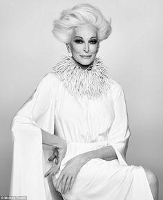 今でも雑誌VOGUEの表紙を飾る、NY出身のモデル、カルメン・デロリフィチェ(Carmen Dell'Orefice)