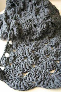 Mooi patroon met waaierbundels voor een sjaal.