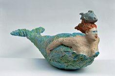 green - mermaid with fish - figurative ceramic sculpture - Jeanne te Dorsthorst Sculptures Céramiques, Paper Mache Sculpture, Pottery Sculpture, Sculpture Art, Mermaid Sculpture, Mermaid Art, Mermaids And Mermen, Pottery Classes, Ceramic Figures