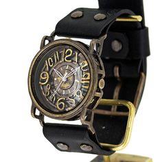 東京のアトリエ、A STORYで制作しているハンドメイドの腕時計です。インパクトのある大きなフェイスに、手作りならではの線材を曲げて制作した数字が個性的。ケー...|ハンドメイド、手作り、手仕事品の通販・販売・購入ならCreema。