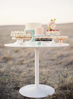 mesa dulce, mesa de postres, buffet de postres  sweet table