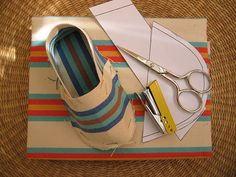 DIY ~~  slipper pattern.  #clothes, #shoes