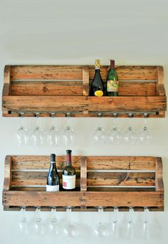 Whether your style is rustic or industrial, left-for-trash pallets can be turned into winning pieces of furniture.