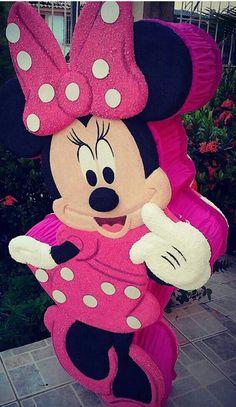 Piñata Minnie con figura tallada textura gamuzada