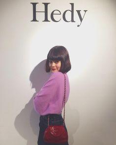 """""""Hedy の展示会にいってきました 可愛すぎるVintageのものがたくさん。 あたしはCHANELのミニバックをget #hedy_japan"""""""