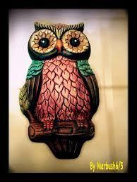 Resultado de imagen para buhos pintados en ceramica Whittling Wood, Diy And Crafts, Arts And Crafts, Paper Mache Crafts, Owl Ornament, Wood Carving Art, Ceramic Owl, Ceramic Bisque, Indian Art