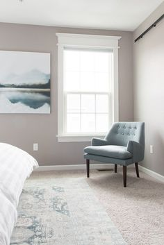 Beautiful and affordable modern classic accent chairs for your master bedroom at a budget price. Check out these amazing finds! #ChairForBedroom