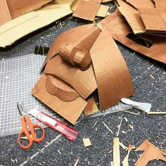 In progress, starting on the face. Cardboard Sculpture, Paper Mache Sculpture, Cardboard Crafts, Sculpture Art, Paper Crafts, Cardboard Playhouse, Cardboard Furniture, Modelos Low Poly, Cardboard Relief