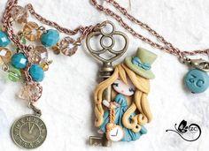 collana Alice steampunk / disney fimo / zingara creativa / disney principesse di ZingaraCreativa su Etsy