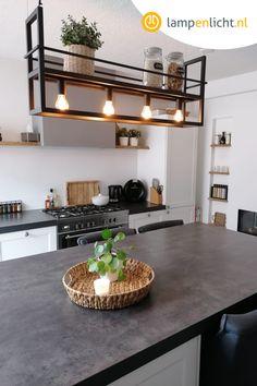Kitchen Lamps, Kitchen Room Design, Living Room Kitchen, Kitchen Interior, Suspended Ceiling Lights, Inside A House, Kare Design, Black Lamps, Dining Room Lighting