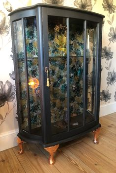 Beautiful Upcycled Glass Cabinet in matt black with copper leaf feet and Art Deco style palm print to back. Painting Old Furniture, Art Deco Furniture, Shabby Chic Furniture, Vintage Furniture, Furniture Projects, Painted Furniture, Diy Furniture, Refurbished Cabinets, Refurbished Furniture