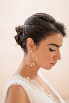 gold Handmade Hoop earrings for a gispy style bridal 18k Gold Earrings, Bridal Earrings, Bridal Jewelry, Hoop Earrings, Marrakech, Golden Age, Wedding Inspiration, Victoria, Boho