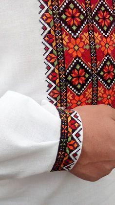 Купити вишиванку - Вишиті сорочки, Чоловічі вишиванки, Жіночі вишиванки, Дитячі Hand Embroidery Dress, Hand Embroidery Videos, Bead Embroidery Patterns, Folk Embroidery, Hand Embroidery Designs, Beaded Embroidery, Cross Stitch Embroidery, Cross Stitch Rose, Cross Stitch Borders