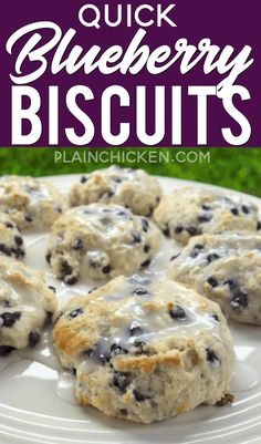 Quick Blueberry Biscuits - only 4 ingredients and ready in 15 minutes! Bisquick, sugar, blueberries and buttermilk. Top with a quick powdered sugar and milk glaze if desired. These area favorite any day of the week! Blueberry Biscuits, Blueberry Cake, Fruit Biscuits, Blueberry Recipes With Bisquick, Blueberry Breakfast Cakes, Blueberry Chicken, Dessert Biscuits, Cinnamon Biscuits, Cinnamon Rolls