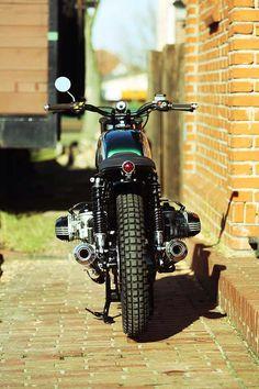 E-Mail von H.B. Custom Die H.B. Custom Nr. 10 ist fertig, eine fette BMW R100RS. Schaut selbst !!!! Bilder: Timo Meinking...