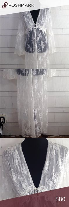 904e4443ec Stunning lace long white robe hits at ankle Perfect bridal shower gift  diane samandi Intimates   Sleepwear Robes