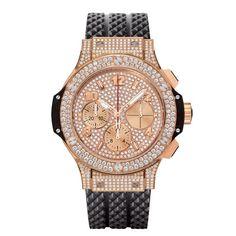 """La montre """"Big Bang Gold Full Pavée"""" d'Hublot http://www.vogue.fr/joaillerie/le-bijou-du-jour/diaporama/la-montre-big-bang-gold-d-hublot-caoutchouc-or-rouge-diamant/10737"""