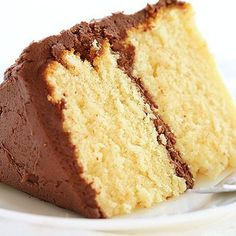 The easiest possible way to make a Homemade Yellow Cake Mix! Learn how to make a homemade cake mix perfect for gifting! Try it and you'll get amazed by its amazing taste! Save this pin for later! Homemade Cake Mixes, Homemade White Cakes, Homemade Brownie Mix, Homemade Chocolate, Cake Recipe With All Purpose Flour, Cake Mix Recipes, Dessert Recipes, Desserts, Dessert Ideas