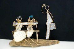 Scène de roman - figurines en ficelle et papier