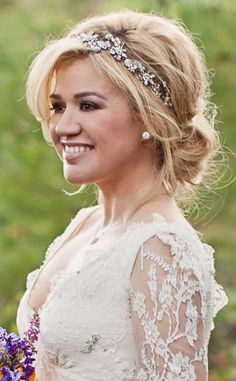 Kelly Clarkson Wedding,,,beautiful bridal headband for updo wedding hairstyles Wedding Hair And Makeup, Wedding Updo, Wedding Hair Bands, Wedding Accessories For Hair, Hair Pieces For Wedding, Wedding Jewelry, Tiara For Wedding, Bridal Makeup, Wedding Shoes