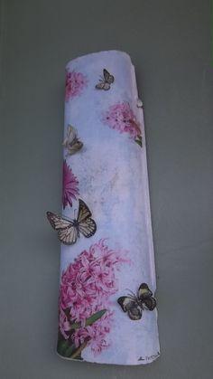 telha decorada com borboletas de pet - ficou linda...