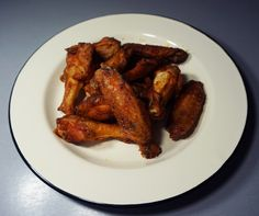 four préchauffé à 200°C pendant environ une heure, retournez les ailes tous les 1/4 heures.