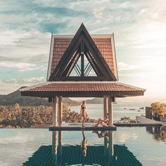 Golden hour, that magical part of day  ☼ ⋯ #letsflyawayto @intercontinentalsamui Koh Samui ⋯ Today's shoutout, congrats to this couple: @travel_leap  ➵ Thank you for tagging your photos to #letsflyawayto ✈️ ⋯ ⋯ . .