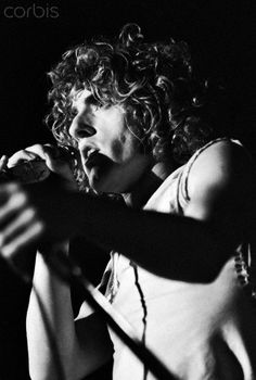 The Who's Roger Daltrey Singing