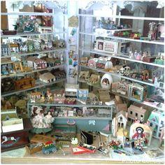 1/12 mini toy shop.....by Anne Roder