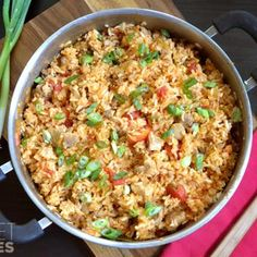 Cajun Chorizo Chicken Jambalaya: Substituting brown rice for the white rice in this recipe will not yield the same results. Brown rice requires more liquid and a longer cooking time. New Recipes, Dinner Recipes, Cooking Recipes, Favorite Recipes, Healthy Recipes, Cheap Recipes, Dinner Ideas, Frugal Recipes, Supper Ideas