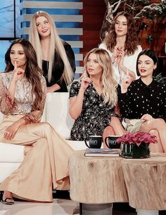 'Pretty Little Liars' Cast Take The 12 Days Challenge on 'Ellen' - Watch The Clip!: Photo We are so excited for the Pretty Little Liars cast appearance on Ellen today! The ladies -- Ashley Benson, Lucy Hale, Shay Mitchell, Sasha Pieterse and Troian… Preety Little Liars, Pretty Little Liars Outfits, Ashley Benson, Gossip Girl, Stranger Things, Films Netflix, Pll Cast, Shadowhunters, Sasha Pieterse