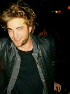 new/old candid ~ Crappy quality, but it's Rob, so...