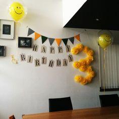 誕生日飾り付けのインテリア実例写真