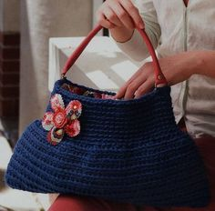 Free Crochet Pattern ckct-hoboBag Hobo Bag : Lion Brand Yarn Company