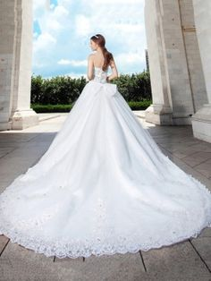 Princess A-Line Floor Length Cathedral Train Wedding Dress & quality Wedding Dresses