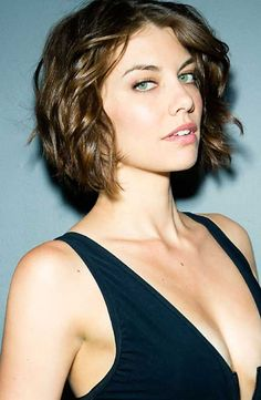 25 Celebrity Short Hair 2015 - 2016 | Short Hairstyles 2015 - 2016 | Most Popular Short Hairstyles for 2016 Try this look with Spoolies hair curlers and save your hair from the heat! www.spoolies.com