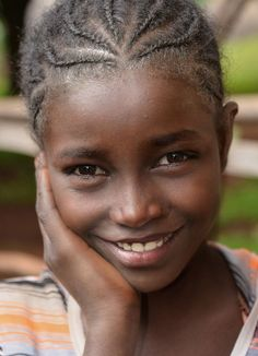 Village Girl - Wolayta - Ethiopia - By Rod Waddington Beautiful Smile, Beautiful Black Women, Beautiful Children, Beautiful Babies, Beautiful World, Beautiful People, Stunningly Beautiful, Village Girl, African Children