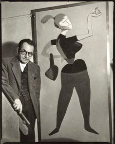 Man Ray with his painting 'Mademoiselle H', by Ida Kar, 30 March 1954 - NPG - © National Portrait Gallery, London Lee Miller, Man Ray, Paris France, The Dark Side, American Artists, Art Studios, Artist At Work, Art World, Portrait Photographers