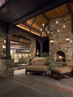 Outdoor patio space/ fireplace