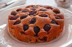La ricetta della torta alle prugne è tipicamente estiva. La torta alle prugne è particolarmente soffice e gustosa ed è perfetta per una merenda sana e sfiziosa adatta a tutta la famiglia.  Giuliana    Vai alla ricetta: http://www.lacucinaimperfetta.com/2013/09/torta-alle-prugne.html#ixzz2diBFNt1N  #lacucinaimperfetta #dolci #torte #ricette