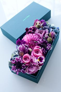 Boxed Flowers - adore this and need to recreate