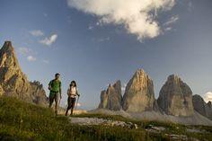 Wandern auf dem Hochpustertaler Dolomiten Höhenweg - Mehr dazu: http://www.reisefernsehen.com/reise-news/reise-news-aktivurlaub/5a1b21163621-wandern-auf-dem-hochpustertaler-dolomiten-hoehenweg.php