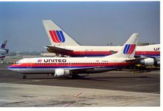 United Airlines Boeing 737-322 N384UA on the apron at Los Angeles-International, circa July 1995. (Photo: Aero Icarus)
