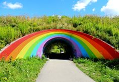 .... First painted in 1972 by Berg Johnson, Toronto's famous pedestrian rainbow tunnel along the East Don Trail, is a familiar sight to vehicles travelling along the Don Valley Parkway ....